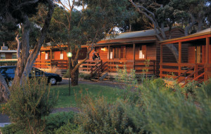 anglesea-beachfront-deluxe-cottage-1-large_1